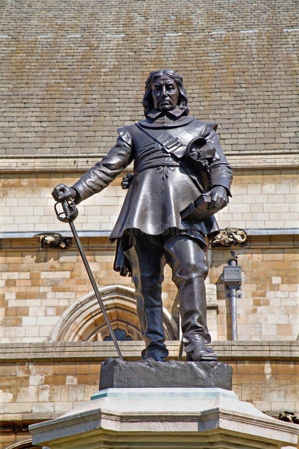 London - den Oliver Cromwell minnesmärken arkivbild