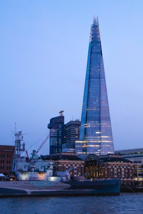 London die Scherbedämmerungsansicht England stockfoto