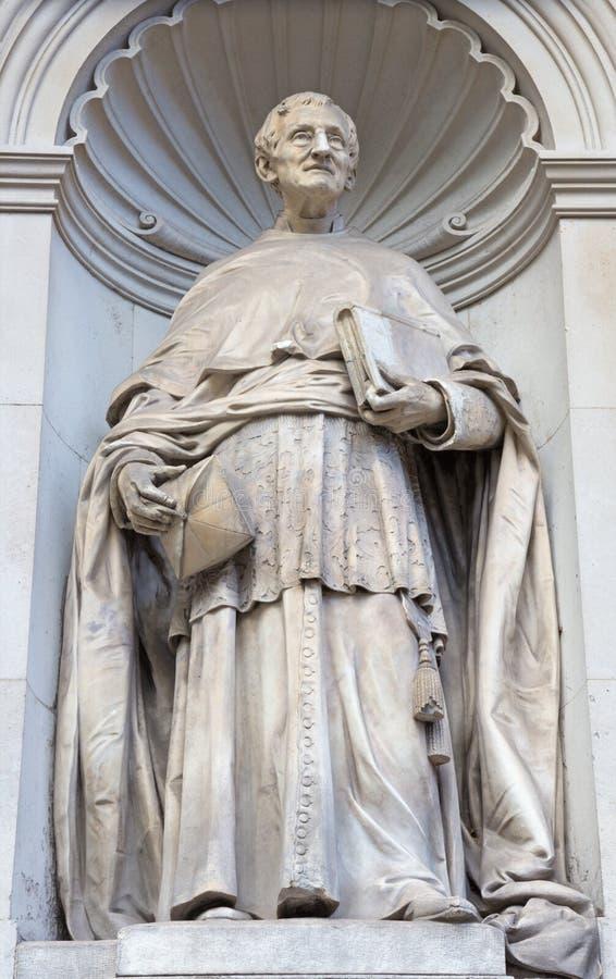 London - die Statue von hauptsächlichem John Henri Newman vor Brompton-Rhetorik lizenzfreie stockfotos