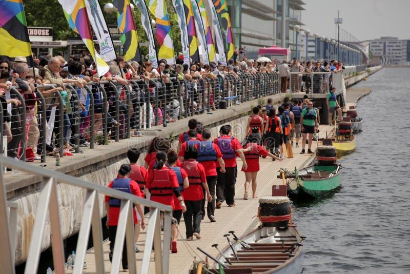 London Dragon Boat Festival royaltyfri fotografi