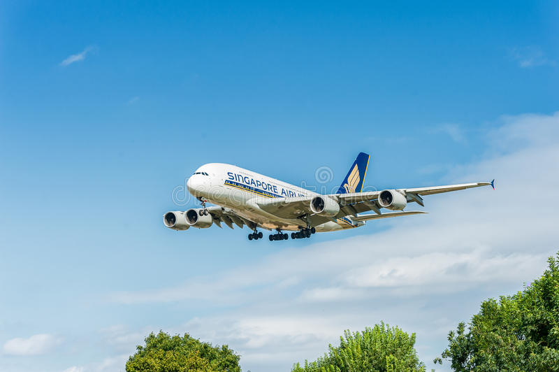 LONDON, ENGLAND - AUGUST 22, 2016: 9V-SKB Singapore Airlines Airbus A380 Landing in Heathrow Airport, London. 9V-SKB Singapore Airlines Airbus A380 Landing in royalty free stock image