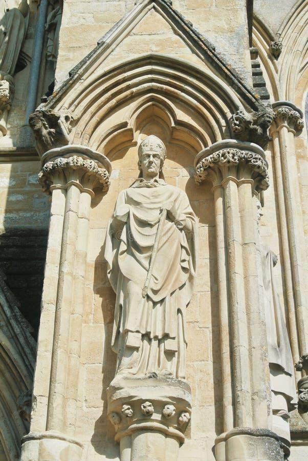LONDON ENGLAND - AUGUSTI 02, 2013: Skulpturer på yttersidan av royaltyfri bild