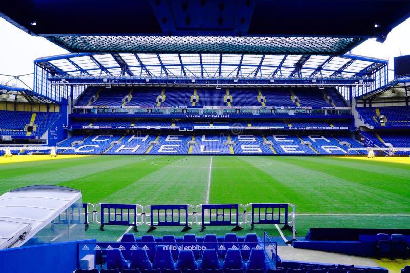 LONDON, ENGLAND - 14. FEBRUAR: Stamford-Brücken-Stadion am 14. Februar 2014 in London, Großbritannien Die Stamford-Brücke ist zu  lizenzfreies stockfoto