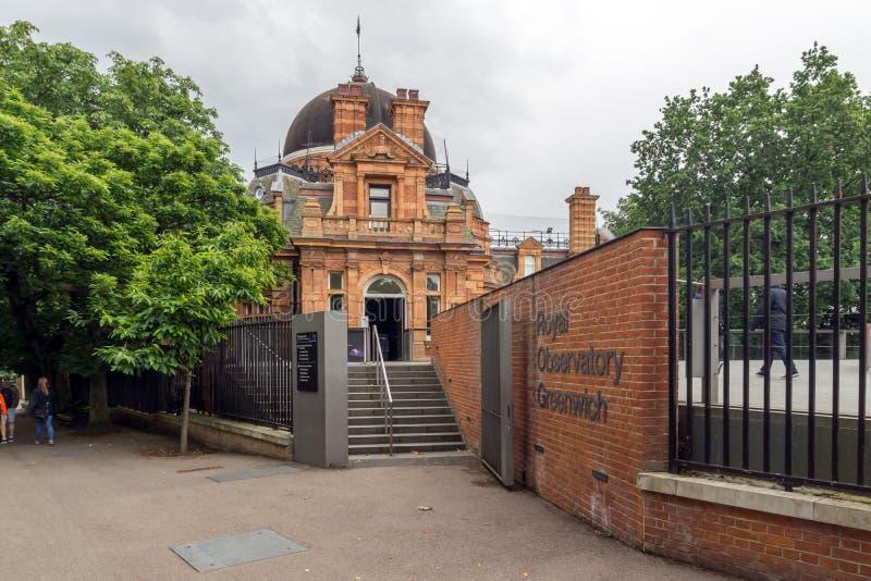 LONDON ENGLAND - JUNI 17 2016: Kunglig observatorium i Greenwich, London, Storbritannien royaltyfri bild