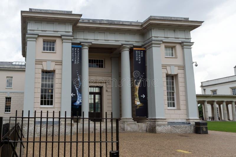 LONDON ENGLAND - JUNI 17 2016: Sjöhistoriska museet i Greenwich, London, Storbritannien fotografering för bildbyråer
