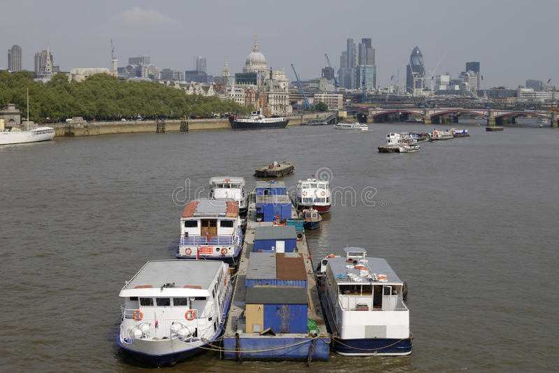 Download London. England. River Thames And City. Stock Photo - Image: 19474950