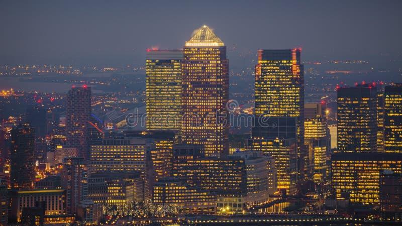 London, England - Skylineansicht der Wolkenkratzer von Canary Wharf stockfotografie