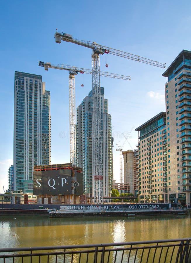 London, enorme Baustellen in Canary Wharf-Bereich stockfotos