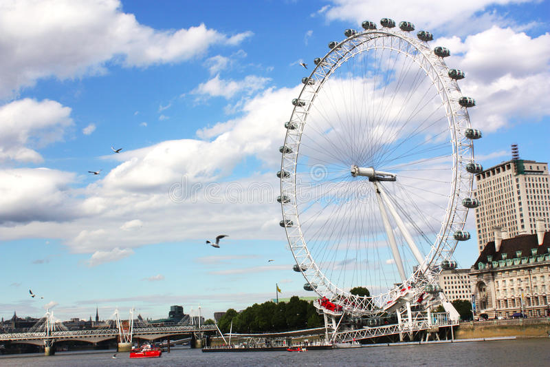 Download London eye editorial image. Image of structure, birds - 16563900
