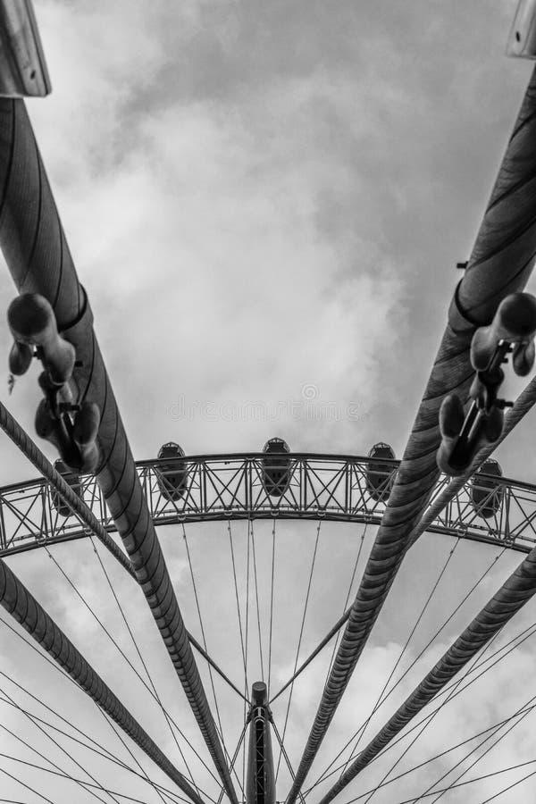 London Eye, bardzo różny kąt, sztuka piękna zdjęcie royalty free