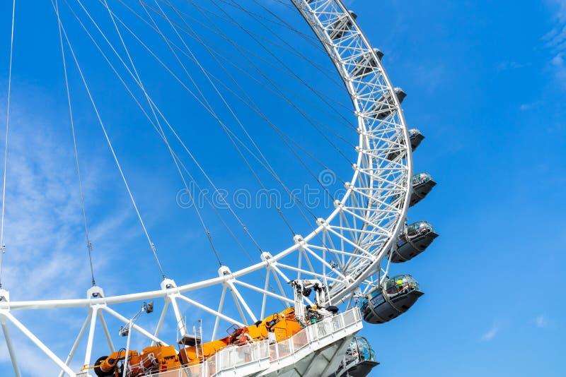 London Eye i niebieskie niebo, Zjednoczone Kr?lestwo, 21 Maj, 2018 zdjęcia royalty free