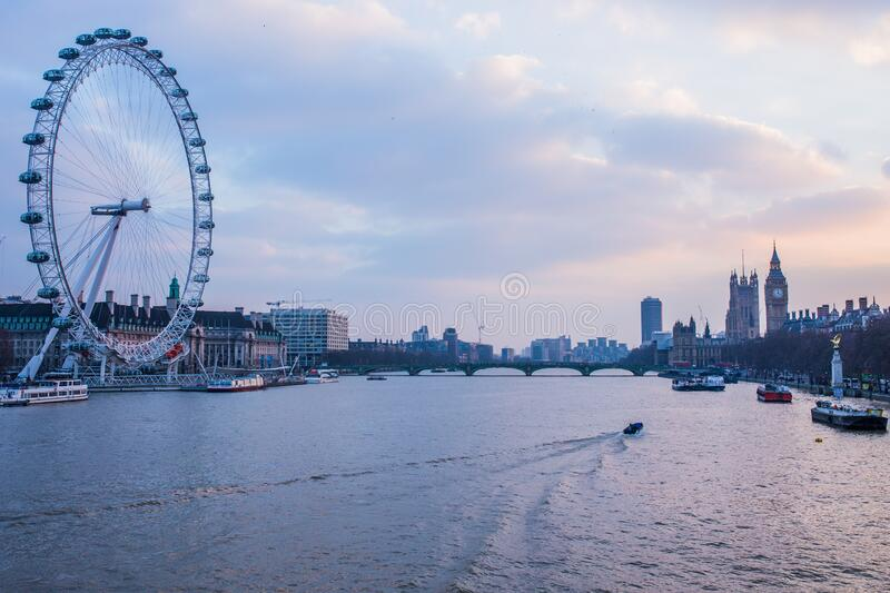 London Eye Near Body Of Water During Day Time Free Public Domain Cc0 Image