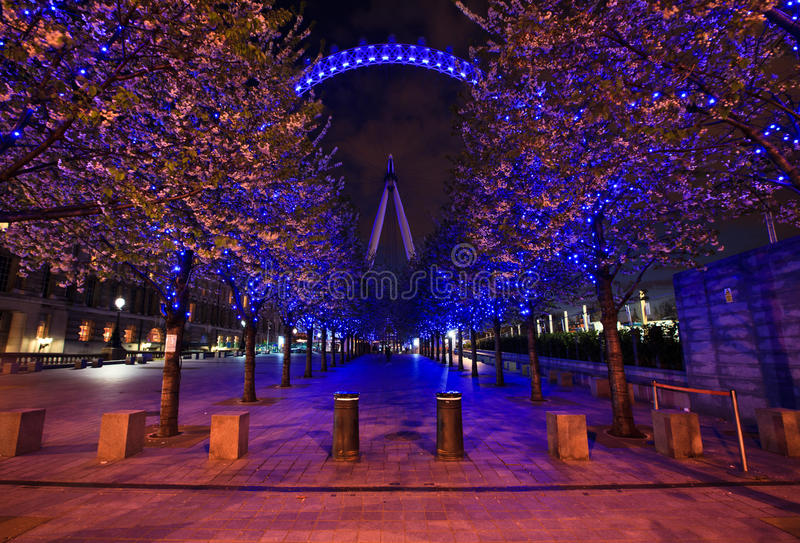 Download London Eye And Purple Alley Editorial Stock Image - Image: 25149079