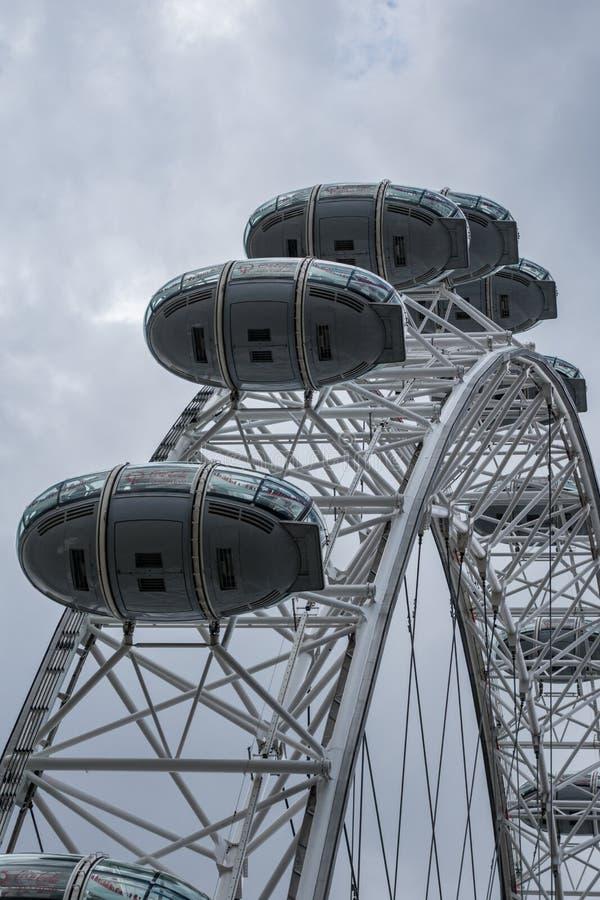 London Eye, roue située sur le Southbank de la Tamise à Londres, en juin 2015 L'Angleterre/Royaume-Uni photos stock