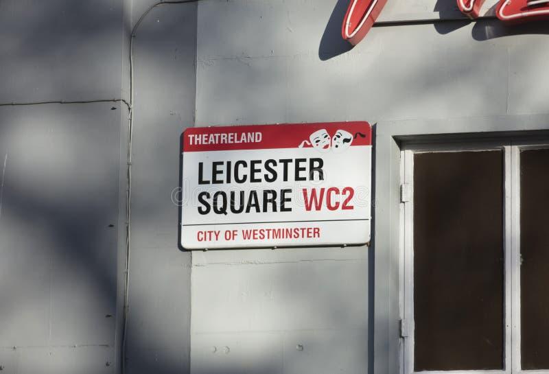 London Förenade kungariket, Februari 7th 2019, teckenLeicester fyrkant royaltyfri foto