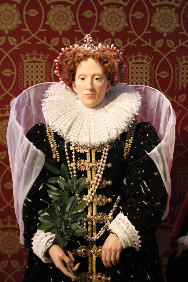 London Förenade kungariket - mars 20, 2017: Göra till drottning det Elizabeth I vaxdiagramet på madamen Tussauds London royaltyfri bild