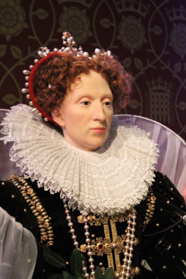 London Förenade kungariket - mars 20, 2017: Göra till drottning det Elizabeth I vaxdiagramet på madamen Tussauds London arkivbild