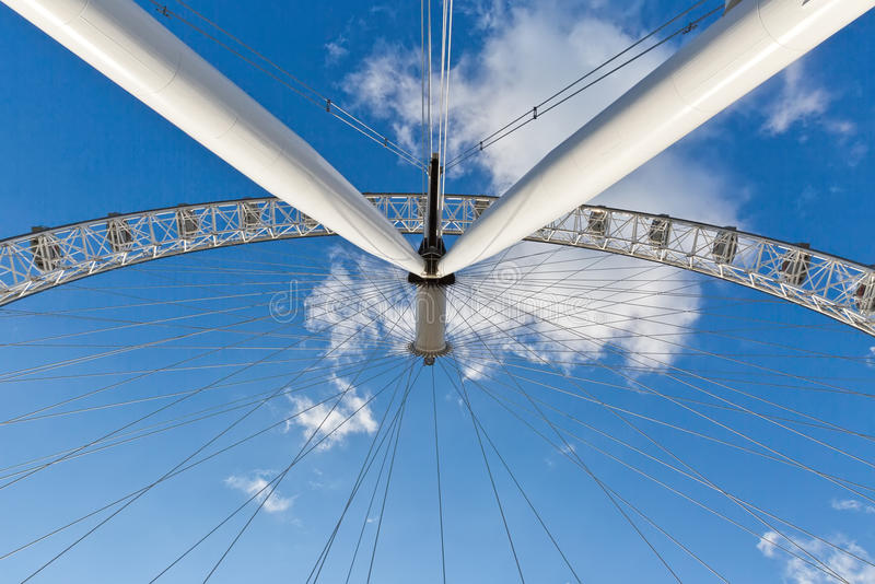 LONDON, Großbritannien - April 2016: Unter London-Auge Detail von constructio stockbilder