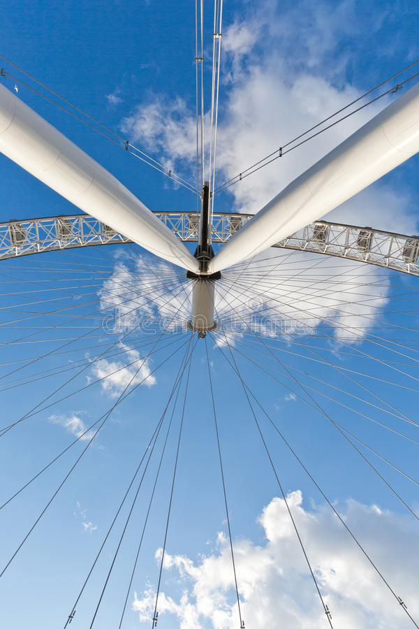 LONDON, Großbritannien - April 2016: Unter London-Auge Detail von constructio stockfotos