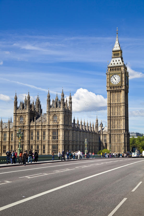 LONDON, Großbritannien - 24. Juni 2014 - Big Ben und Parlamentsgebäude stockfoto