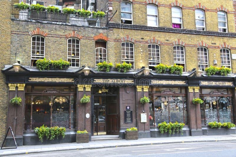 London, Großbritannien - 22. Mai 2016: Der Albert, Kneipe auf Victoria Street lizenzfreie stockfotos