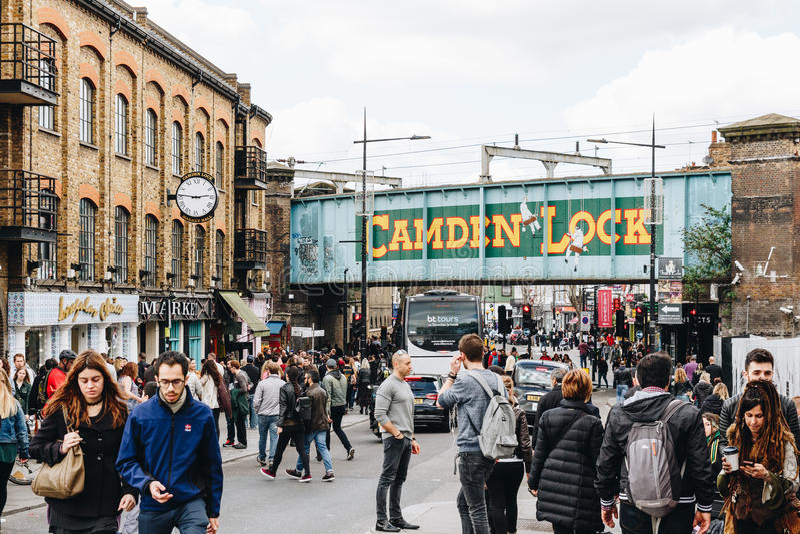 London, Großbritannien - 2. vom April 2017: Camden Lock Village, berühmtes Alt stockbild