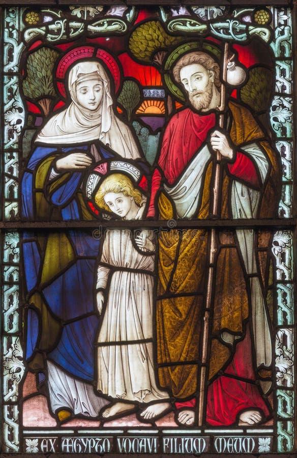 LONDON, GROSSBRITANNIEN - 17. SEPTEMBER 2017: Die heilige Familie auf dem Buntglas in Kirche St. James Spanish Place stockbilder