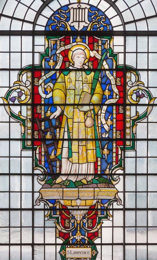 LONDON, GROSSBRITANNIEN - 14. SEPTEMBER 2017: St Lawrence auf dem Buntglas in Kirche St. Lawrence Jewry lizenzfreies stockfoto