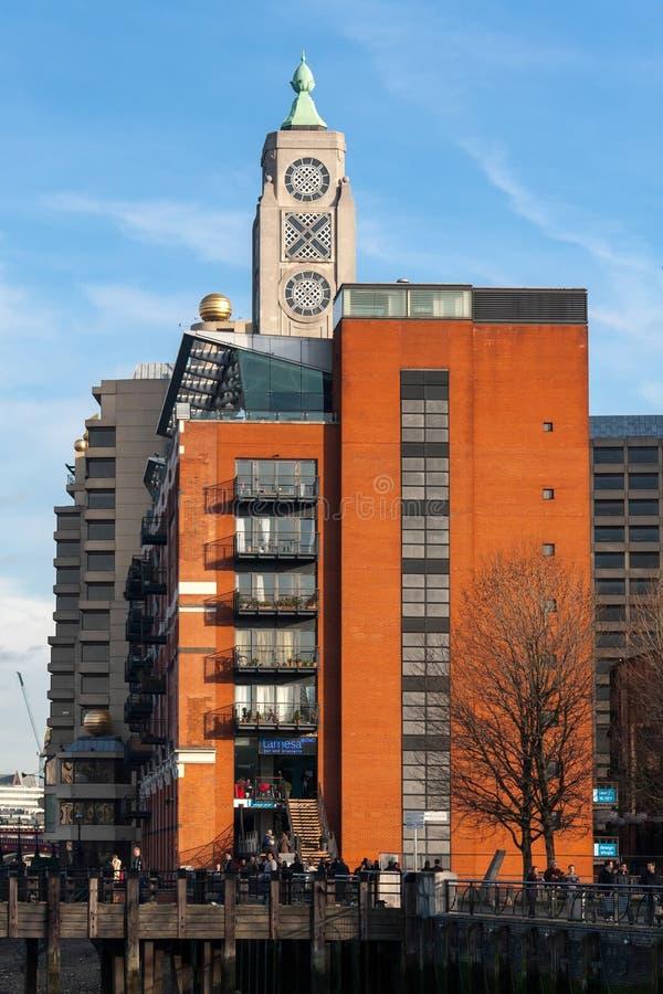 LONDON - 27. JANUAR: OXOturm auf dem Southbank in London auf Ja stockbild