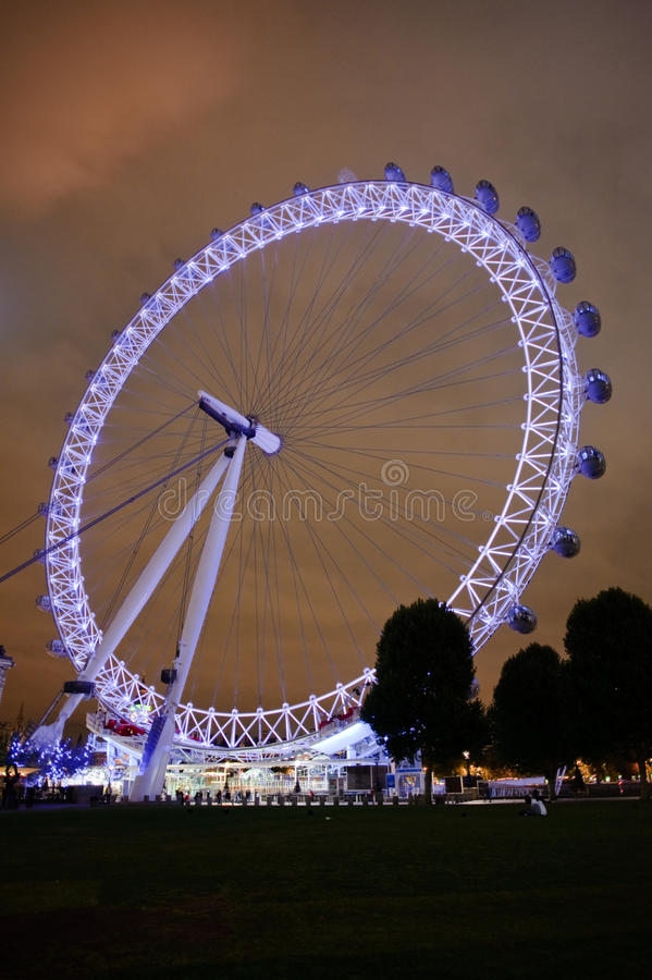 Download A London Landmark editorial stock photo. Image of thames - 11043623