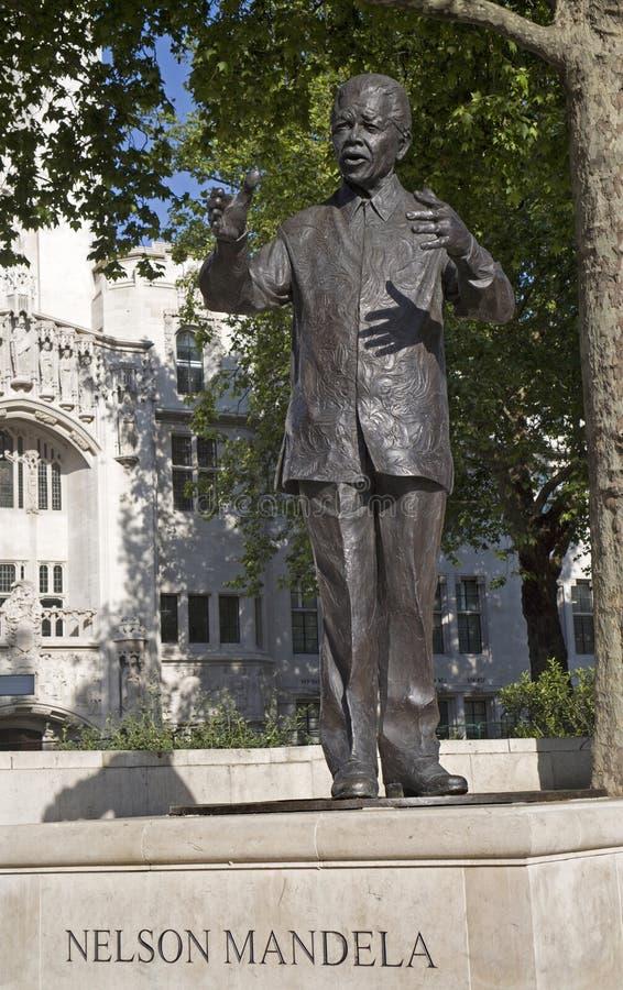 London - Nelson Mandela minnesmärke royaltyfri fotografi