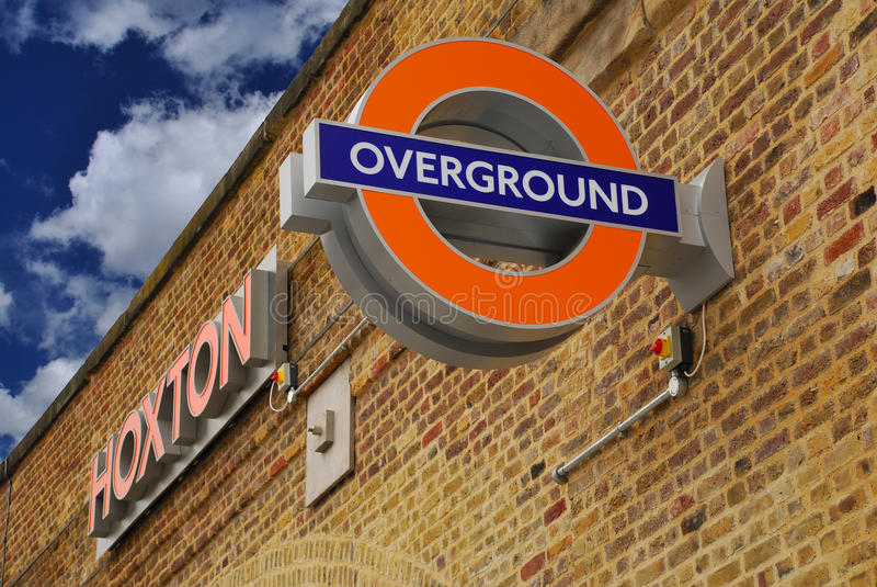 London Overground, Hoxton station arkivfoto