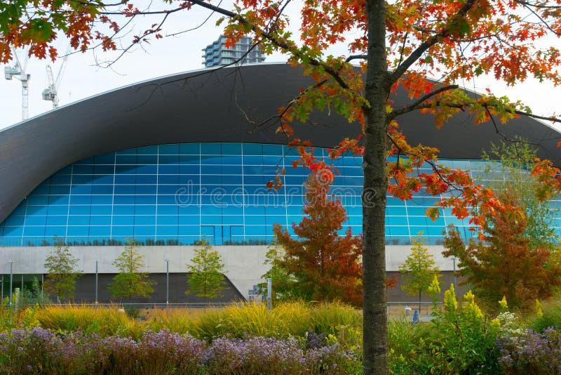 London parkerar den vatten- mitten som är olympisk, London, UK royaltyfria foton