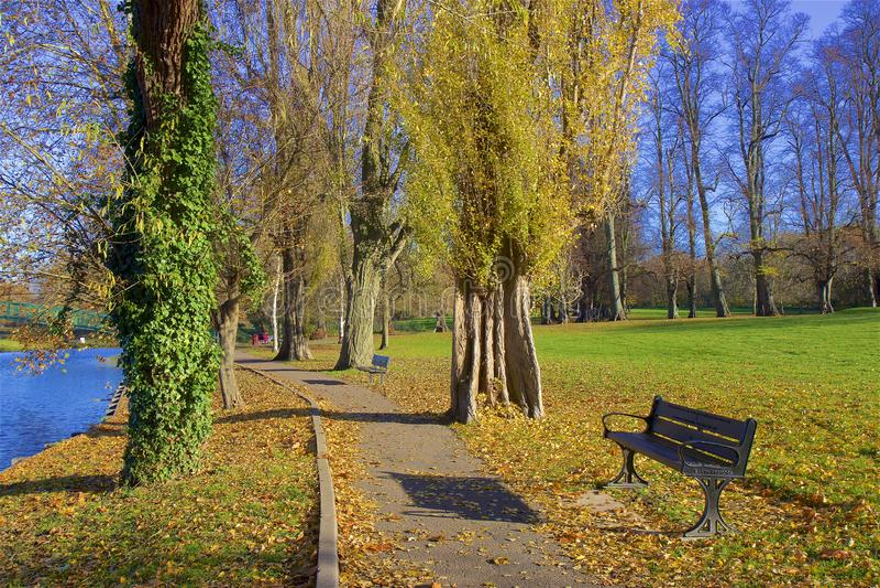 London-Parks im Herbst, England lizenzfreie stockfotos