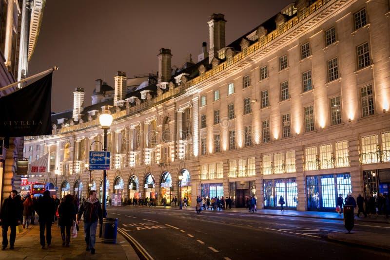 London Regent Street på natten royaltyfri bild
