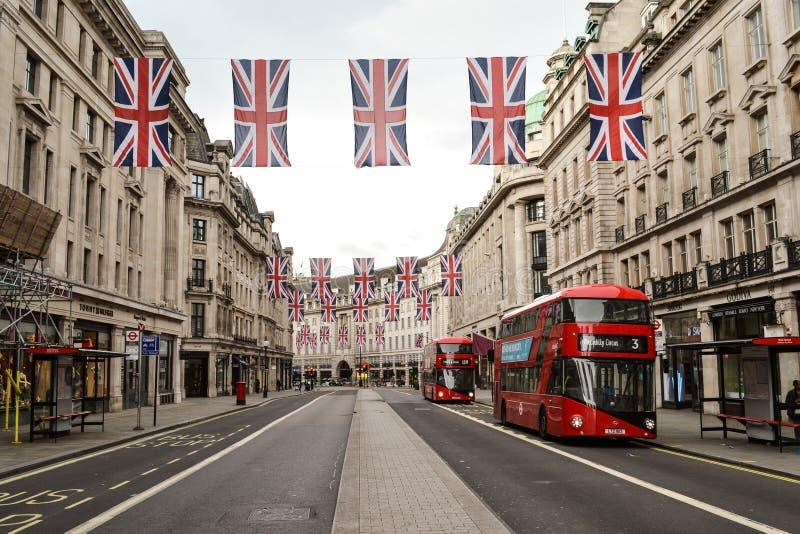 London Regent Street Union Jack flaggor royaltyfri foto
