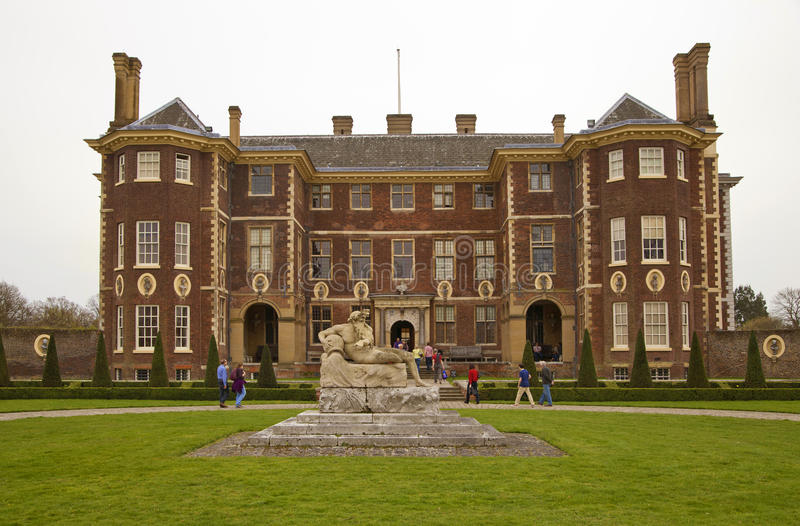 LONDON RICHMOND UK - APRIL 05, 2014 Richmond hertighus royaltyfria bilder