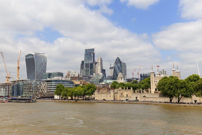London-` s Primärfinanzbezirk, Stadt von London, moderne Bürogebäude, London, Vereinigtes Königreich lizenzfreie stockfotos