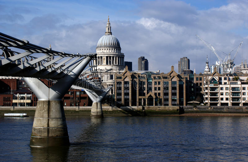 Download London Saint Pauls Cathedral Editorial Image - Image: 13657540