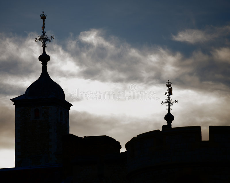london silhouetted tornet royaltyfri foto