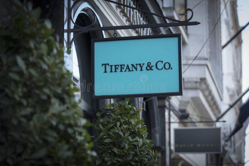 London, större London, Förenade kungariket, 7th Februari 2018, ett tecken och logo för Bond Street Tiffany&Co arkivfoto