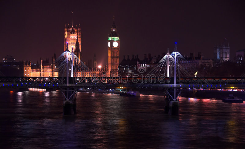 London-Stadtbild nachts lizenzfreie stockfotos