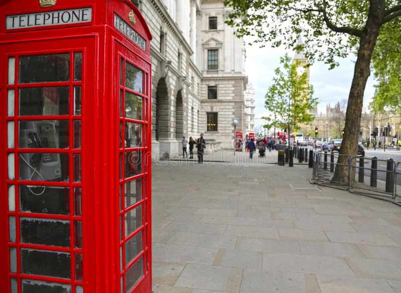 London Storbritannien - Maj 22, 2016: Stor George gata, fot- trottoar arkivfoto