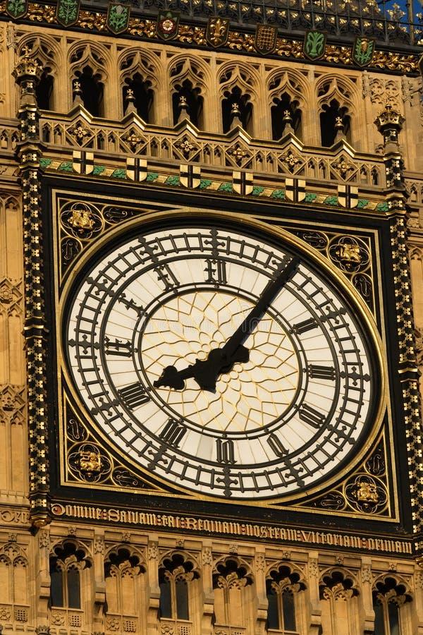 London tar tid på royaltyfria bilder