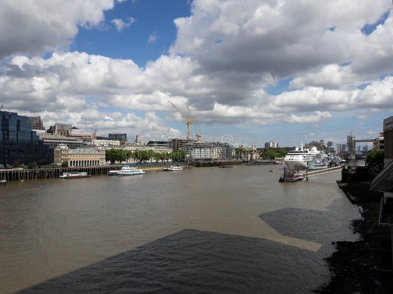 London Themse lizenzfreie stockfotos