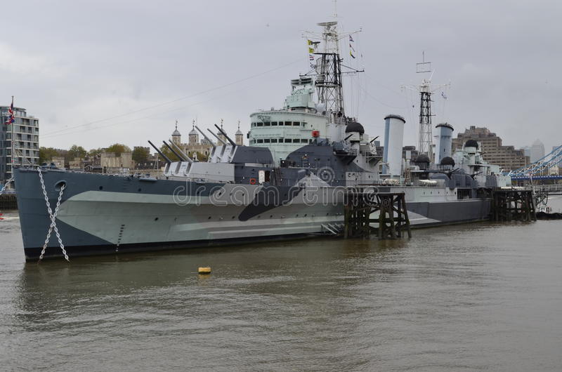 London, Themse, HMS Belfast lizenzfreie abbildung