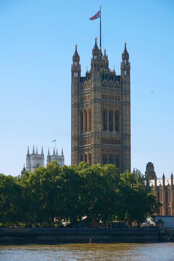 LONDON - Torn av London Parliame arkivbild