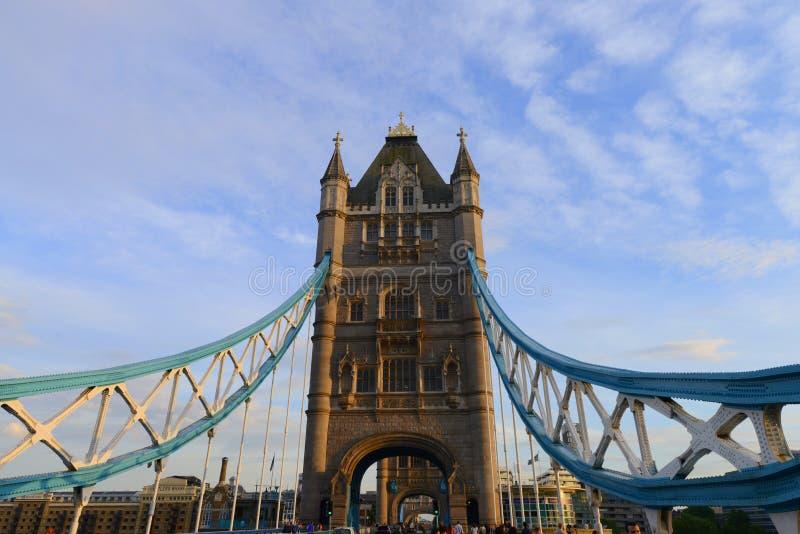 London tornbro fotografering för bildbyråer