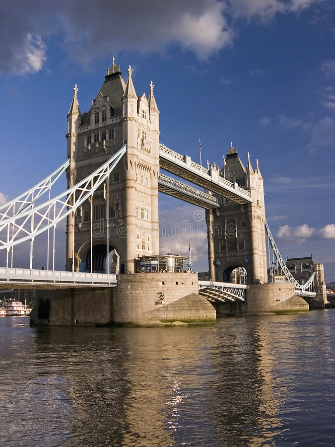 Download London Tower Bridge By Cloudy Day Stock Photo - Image: 1538102