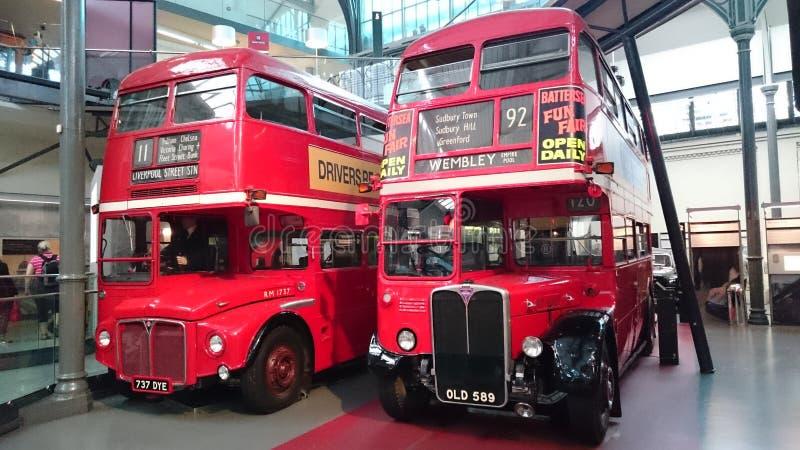 London-Transportmuseum - englische Doppeldecker lizenzfreie stockfotos